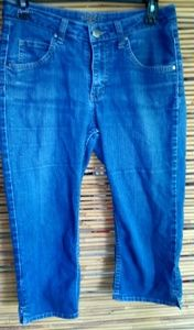 Lee Riders Cropped Jeans Sz 31 Waist